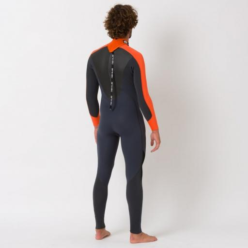 lava-wetsuit-1.jpg