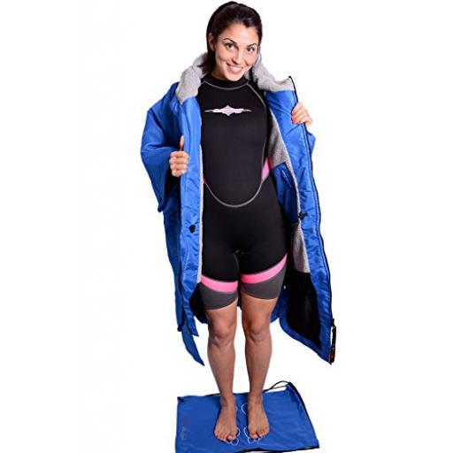 Charlie McLeod Sports Cloak - Warmth and modesty for all watersports with FREE bag B01N5DML2T_4.jpg